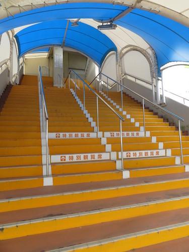 金沢競馬場の屋外階段