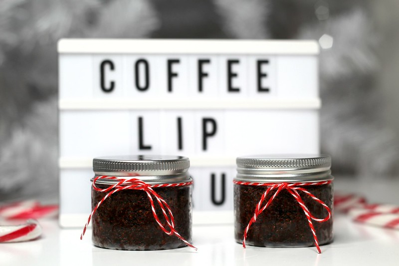 Itsetehty joululahja huultenkuorinta 2