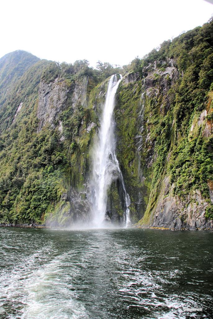 Vesiputous, Milford Sound, Uusi-Seelanti