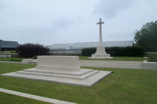 Cross of Sacrifice and Stone of Remembrance Closer View