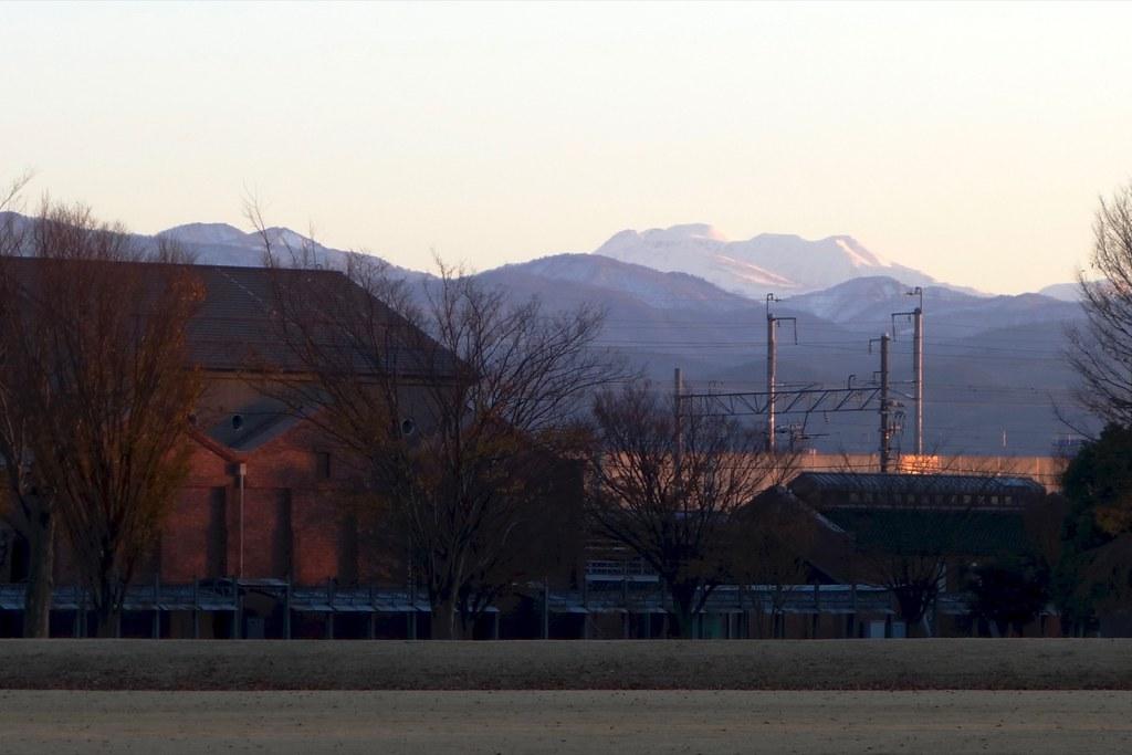 金沢市民芸術村からの白山と夕焼け