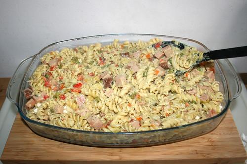 57 - Restliche Nudeln einfüllen / Fill in remaining noodles