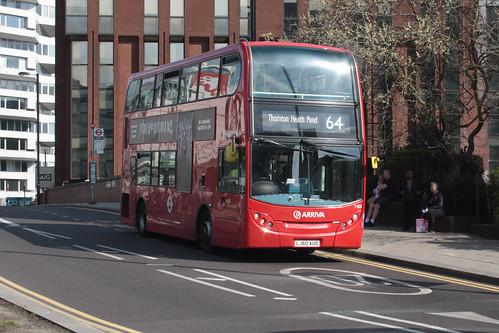 Arriva London T165 LJ60AUO