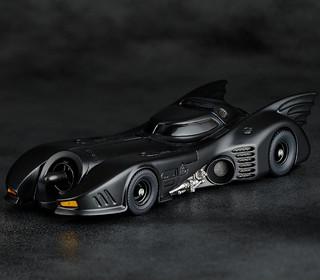 迷人的流線車體完整再現!!FIGURE COMPLEX MOVIE REVO《蝙蝠俠(1989)》蝙蝠車 Batmobile バットモービル