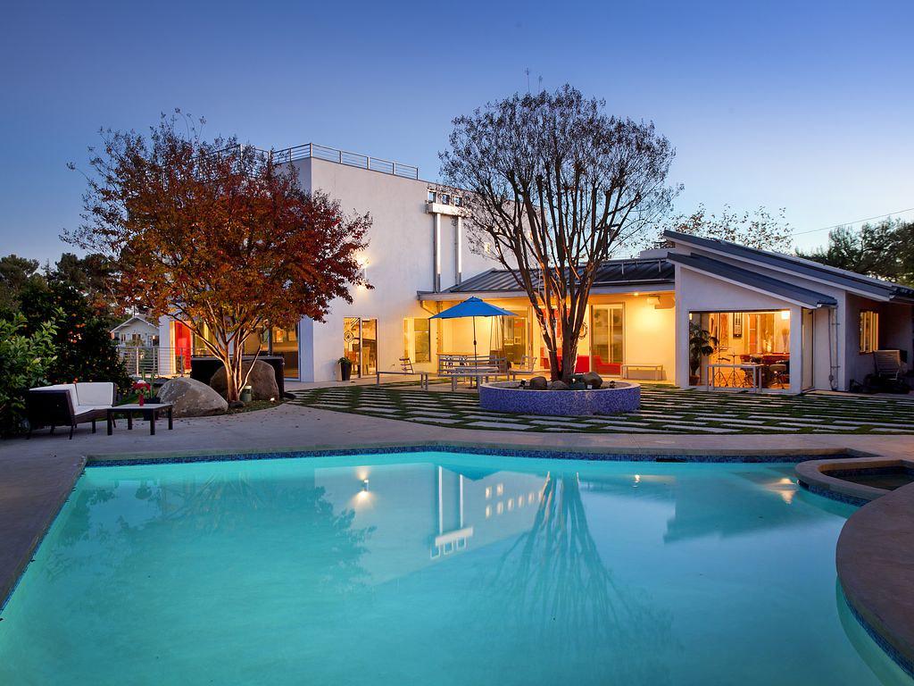 7405 Pyramid Pl,Los Angeles,California 90046,5 Bedrooms Bedrooms,4 BathroomsBathrooms,Apartment,Pyramid Pl,6497
