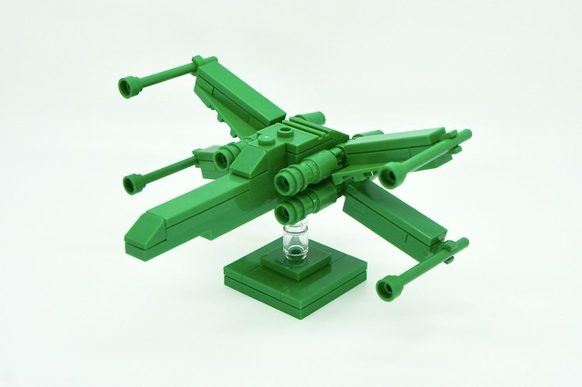 LEGO Monochrome X-wing Fighter in Green