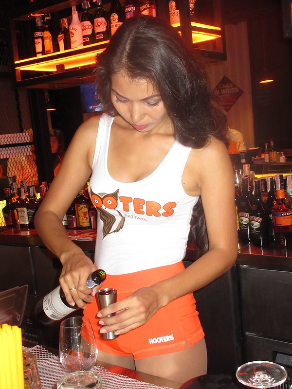 Hooters Pattaya opening night