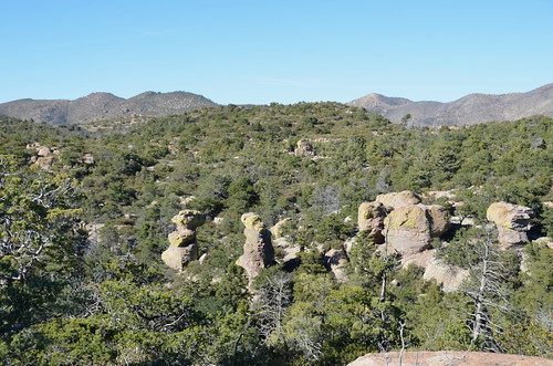 Chiricahua National Monument view starting out on the trail