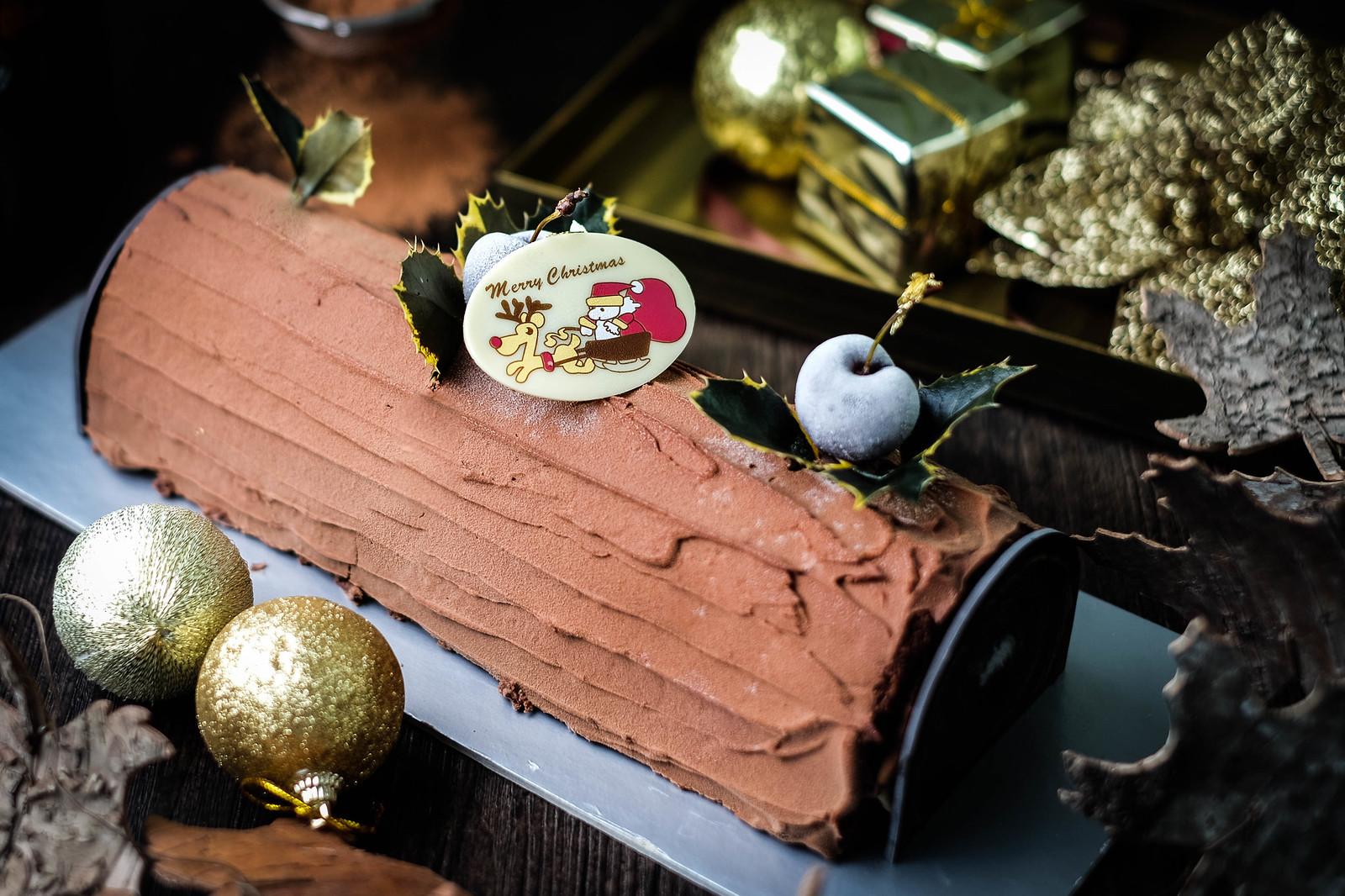 Christmas Log Cakes: Hyatt Log Cake
