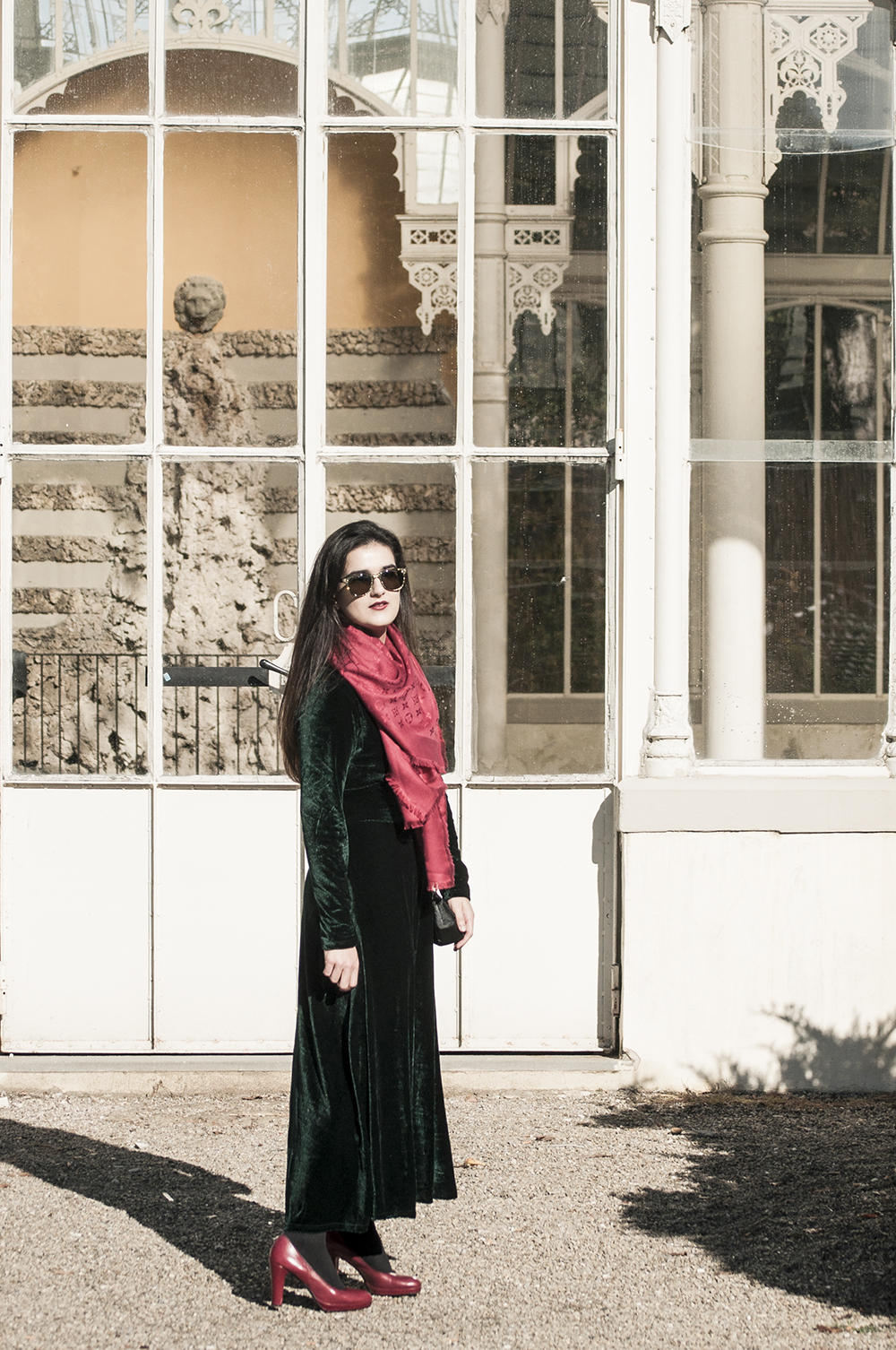 something fashion blogger influencer streetstyle firenze spain italianbloggers erasmus student lightinthebox collaboration holidays dress velvet christmas_0551