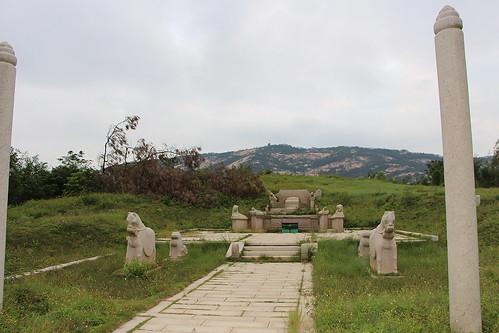 Gio, 03/11/2016 - 17:08 - Le colonne e le statue di animali ricostruite