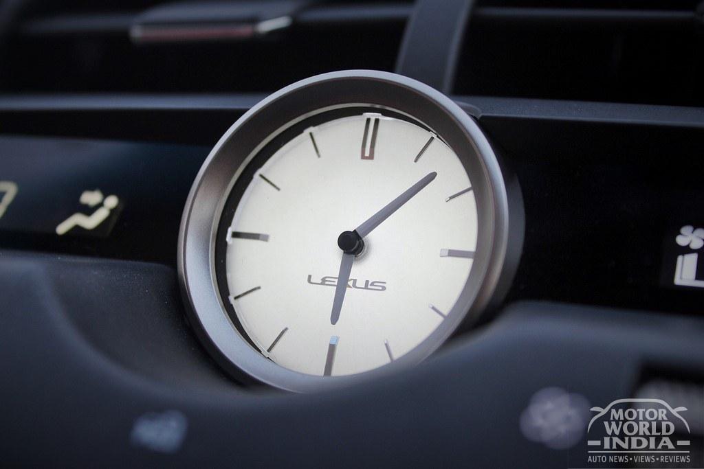 Lexus-NX300h-Interior (16)