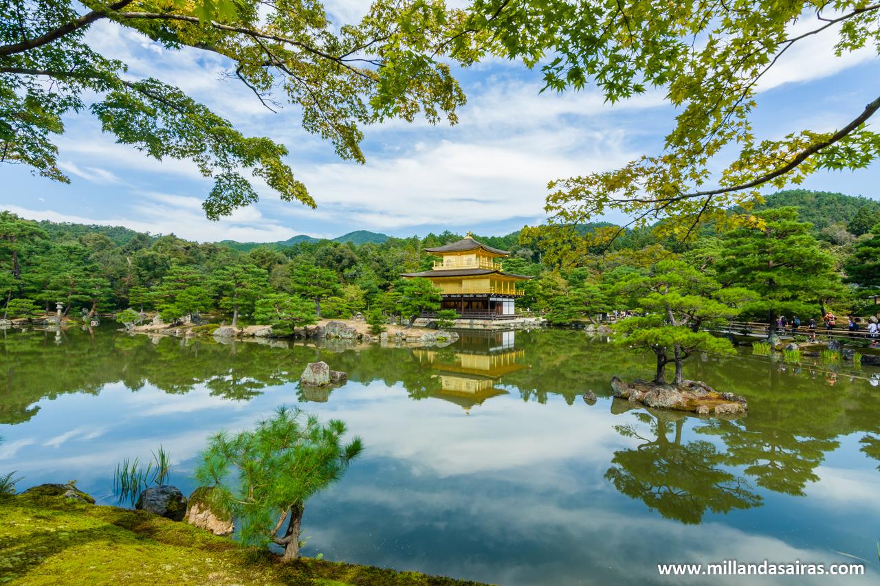 Kinkaku-ji o templo del pabellón dorado, en Kyoto