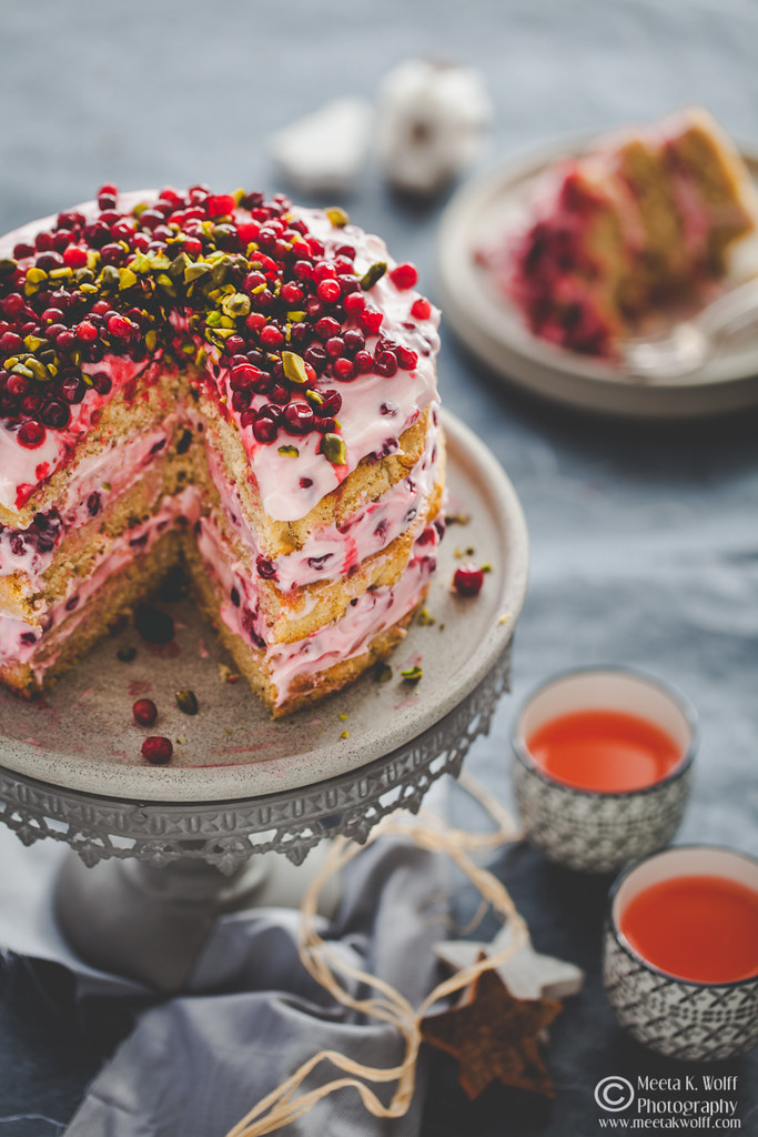 Lebkuchen-Lingonberry-Festive-Cake-by Meeta K. Wolff-0055