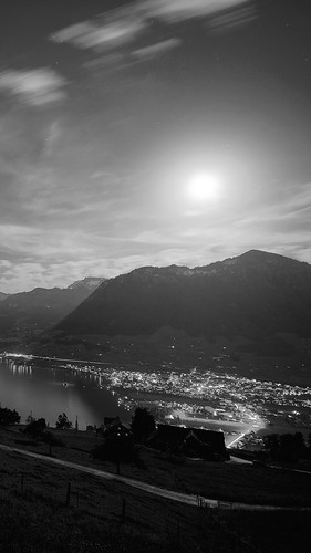 lake-mountain-sunlight-black-and-white-city-android-wallpaper_25839090103_o
