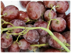 Vitis vinifera's (Common Grape Vine, Wine Grape, Purpleleaf Grape, Anggur in Malay) bunch of fruits waiting to be eaten as is, 11 Dec 2017