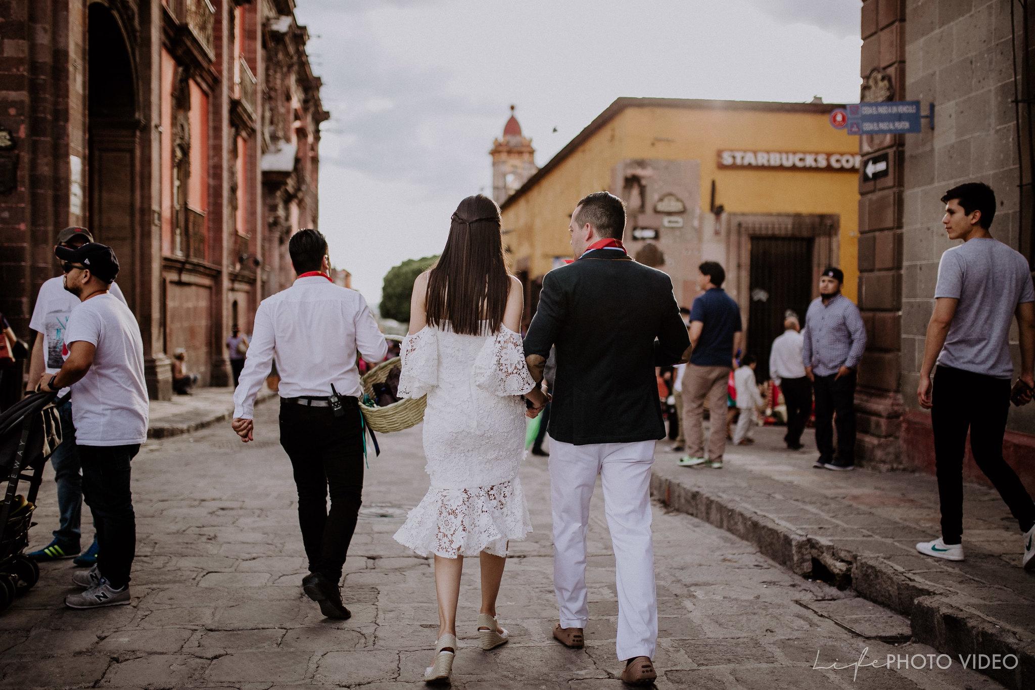 SanMigueldeAllende_Wedding_Callejoneada_Vaquillada_0079