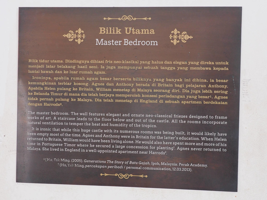 Write up about the castle's master bedroom