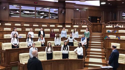 11.11.17 Cor internațional de femei în vizită la parlament