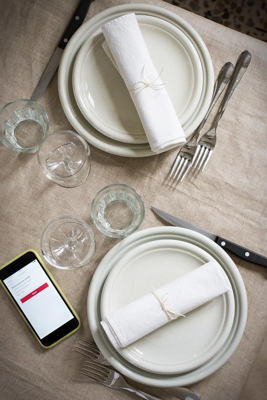 Cena al ristorante - Tavola apparecchiata