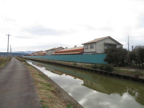 金沢競馬場の裏から見た厩舎エリア