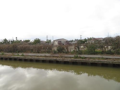金沢競馬場の裏から見た厩舎