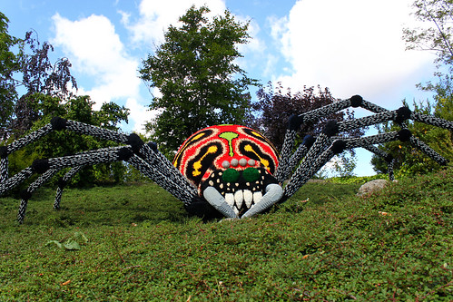 giant spider made of lego