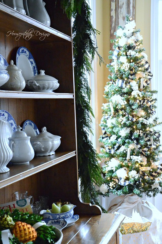 Dining Room Christmas Tree-Housepitality Designs