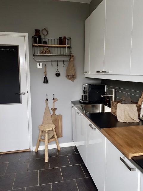 Witte hoogglans keuken landelijke stijl