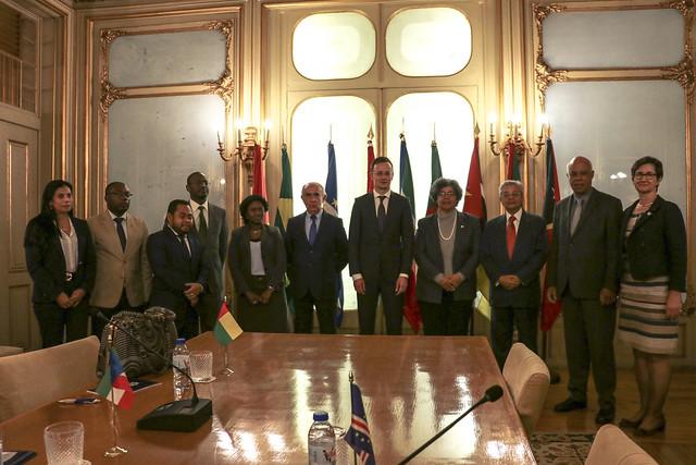 Ministro do Comércio Externo e dos Negócios Estrangeiros da Hungria visita sede da CPLP