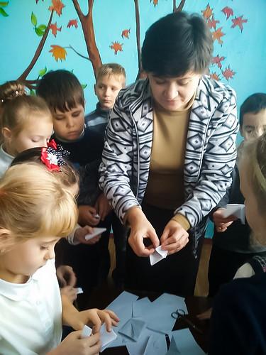 Тиждень Японії в школі, майстер-клас з орігамі