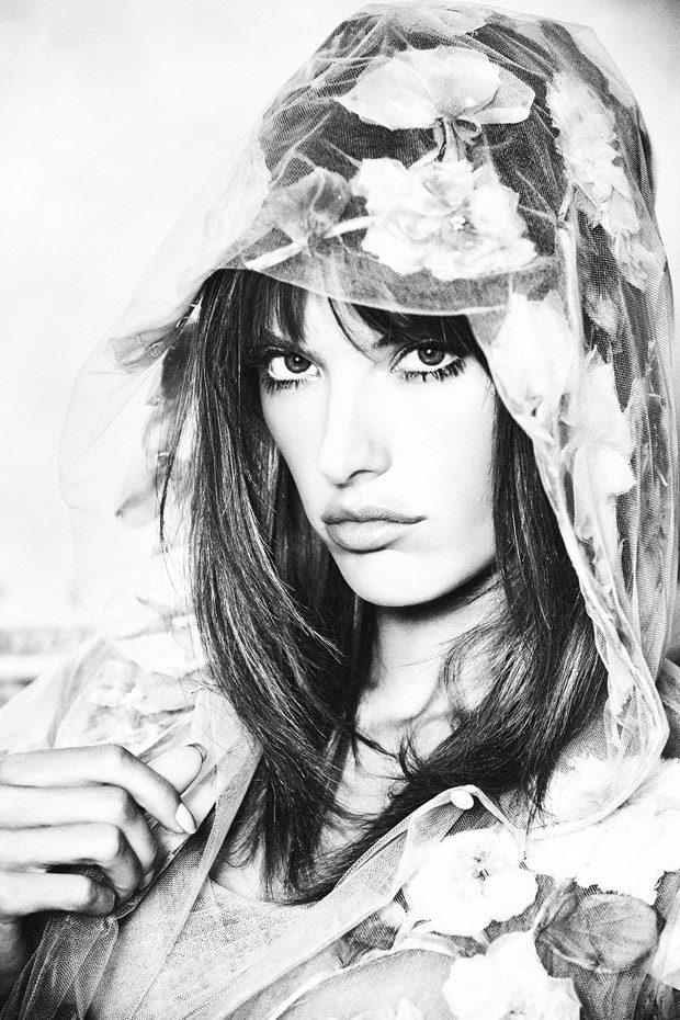 Alessandra-Ambrosio-ELLE-Russia-Ellen-von-Unwerth-03-620x930