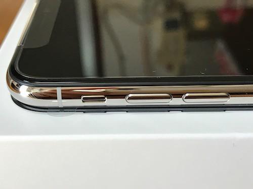 iPhoneXの左側