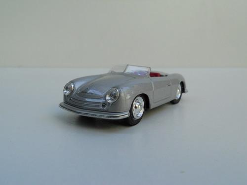 Porsche 356 Roadster (1948) – Cararama