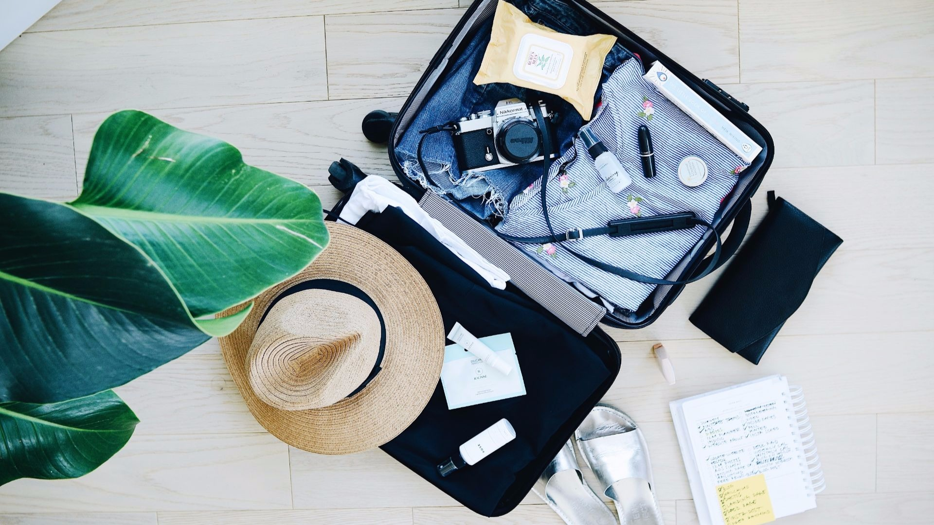 Packing List & Useful Items For Digital Nomad Girls