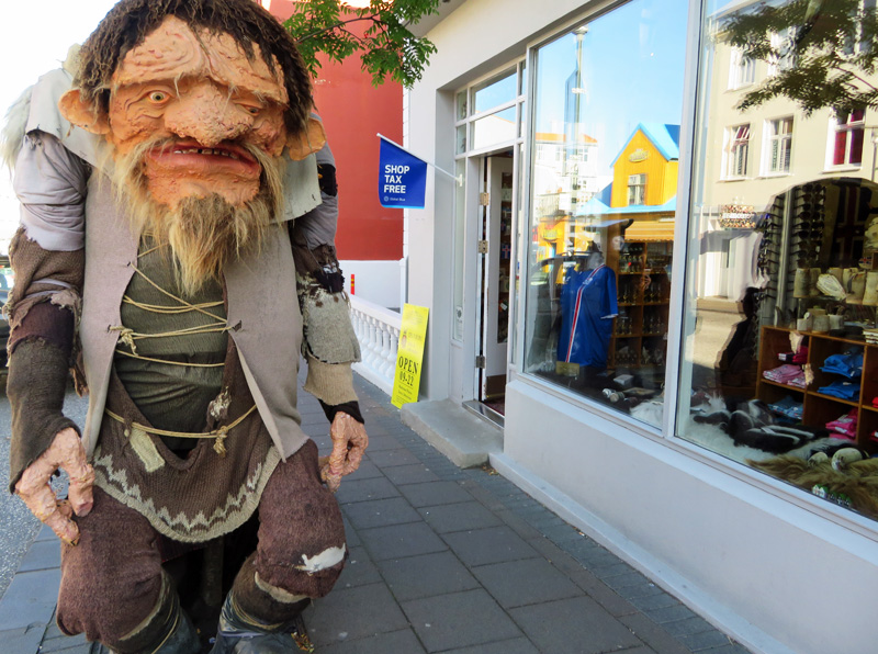 troll-statue-iceland