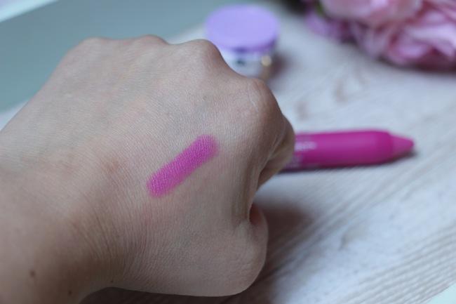 crayons-levres-revlon-colorburst-baume-mat-beaute-blog-mode-la-rochelle_4