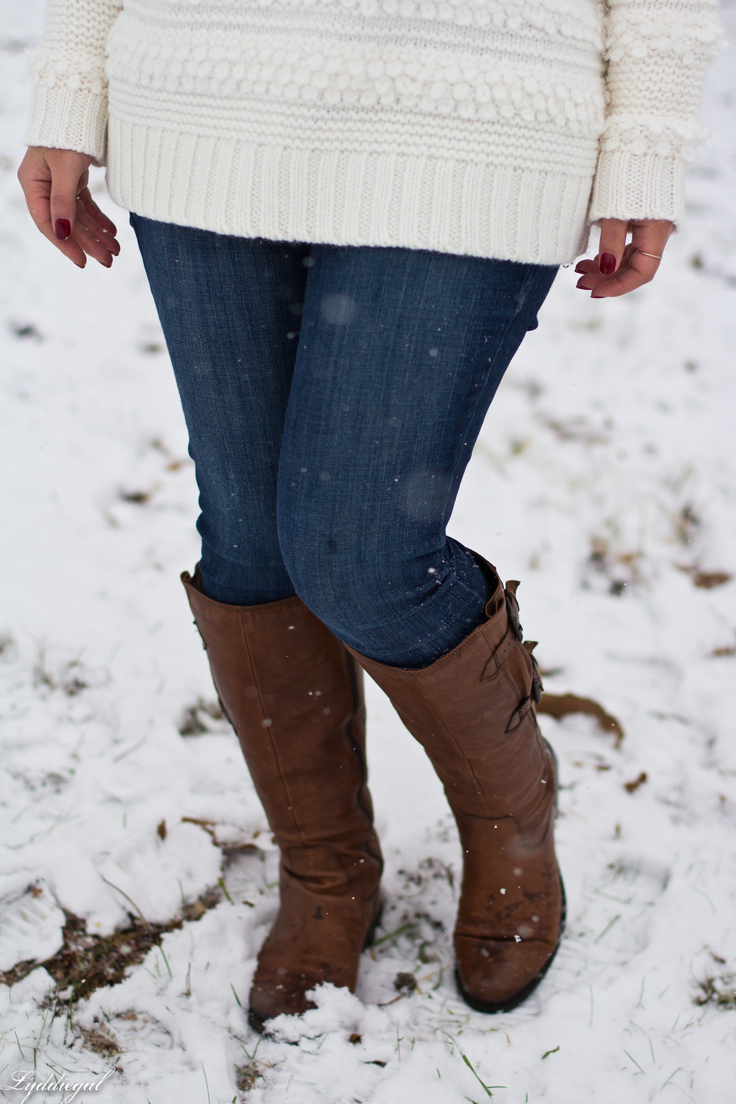 loft white sweater, brown leather boots, pom pom hat, tree hunt outfit-18.jpg
