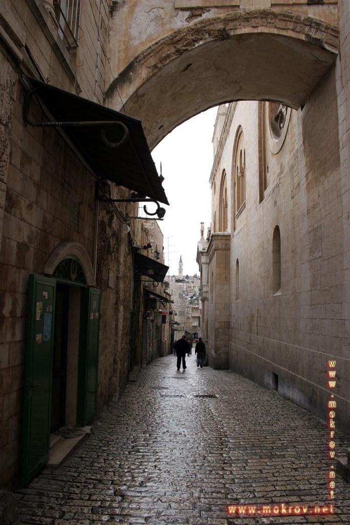 Улицы в Иерусалиме фотографии сделанные днем и вечером