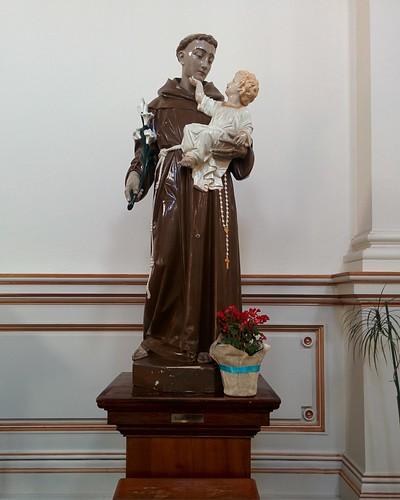 Saint Anthony and child #toronto #sherbournestreet #ourladyoflourdes #churches #romancatholicism #saintanthony #statue #latergram