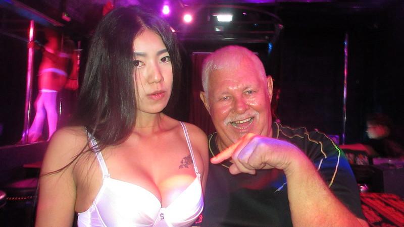 Girls go Pattaya go