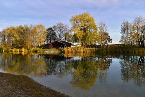 Der Germeringer See im Herbst