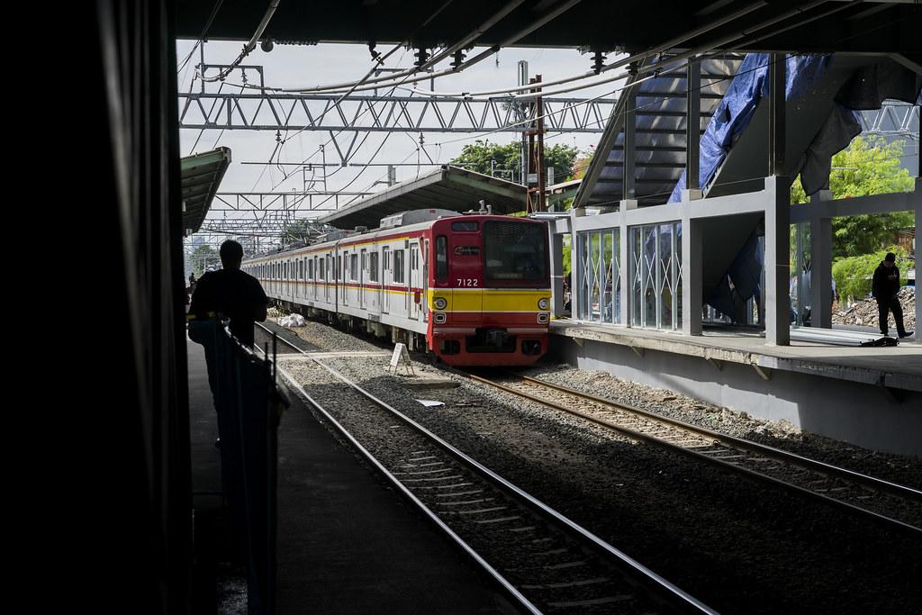 TM 7000 (7122); Red Line ;Stasiun Duri