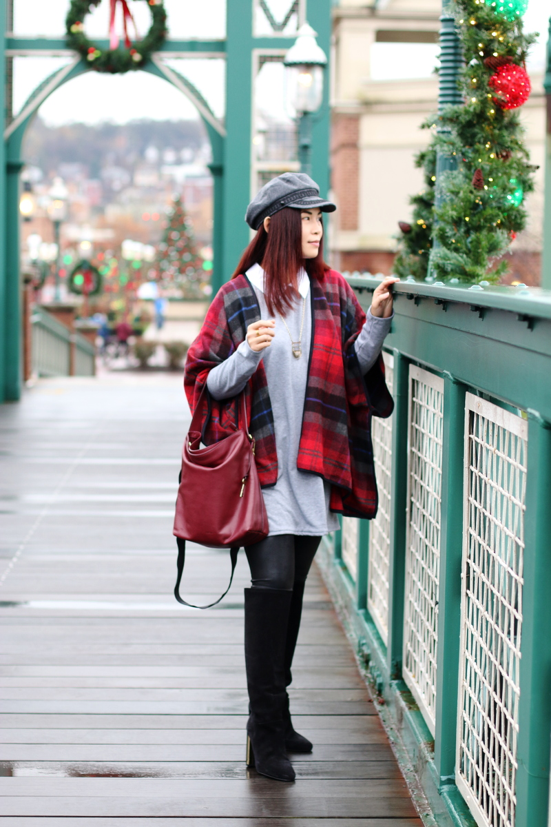 holiday-outfit-gray-sweater-dress-red-plaid-cape-10
