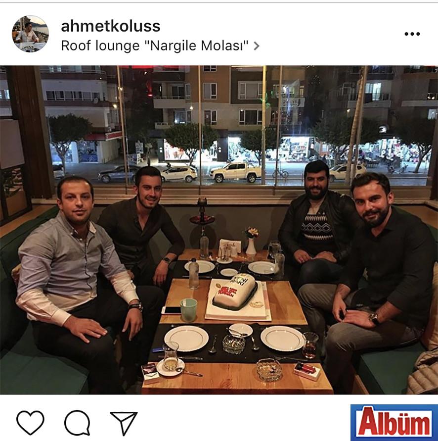 Ahmet Kölüş, yakın dostu Hasan Turhan'ın Roof Lounge'de gerçekleşen doğum günü kutlamasından bu fotoğrafı paylaştı.