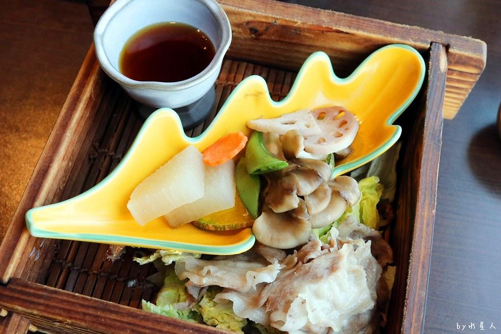 38327393326 2ecd27bfae b - 熱血採訪|藍屋日本料理和風御膳,暖呼呼單人火鍋套餐,銷魂和牛安格斯牛肉鑄鐵燒