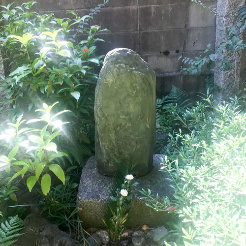 日本最古の芭蕉供養塔