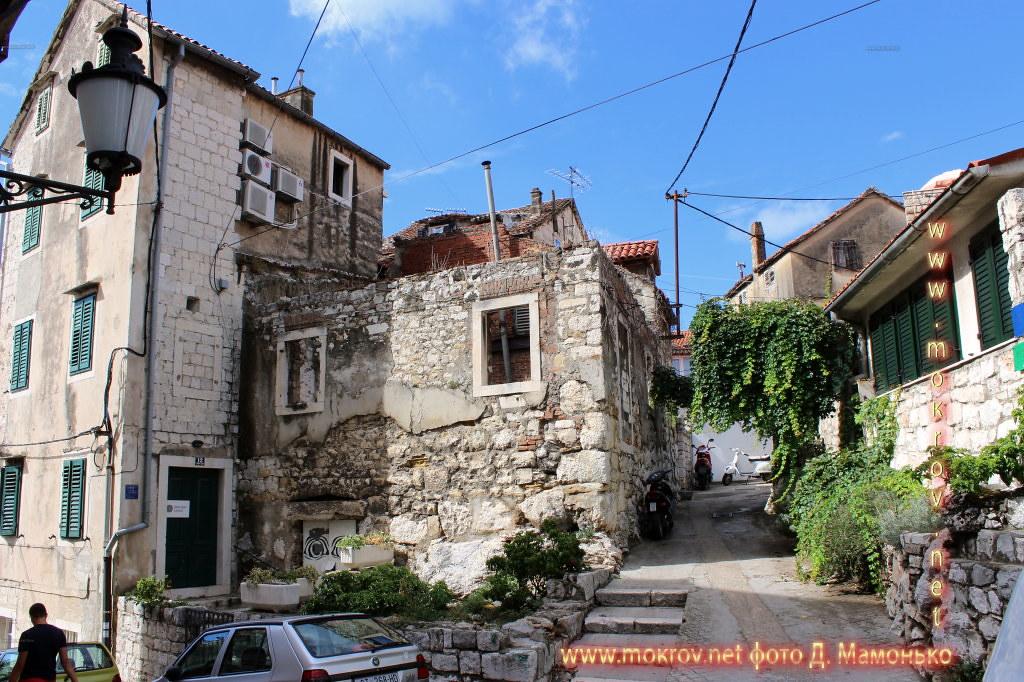 Сплит — город в Хорватии фото сделанные как днем, так и вечером