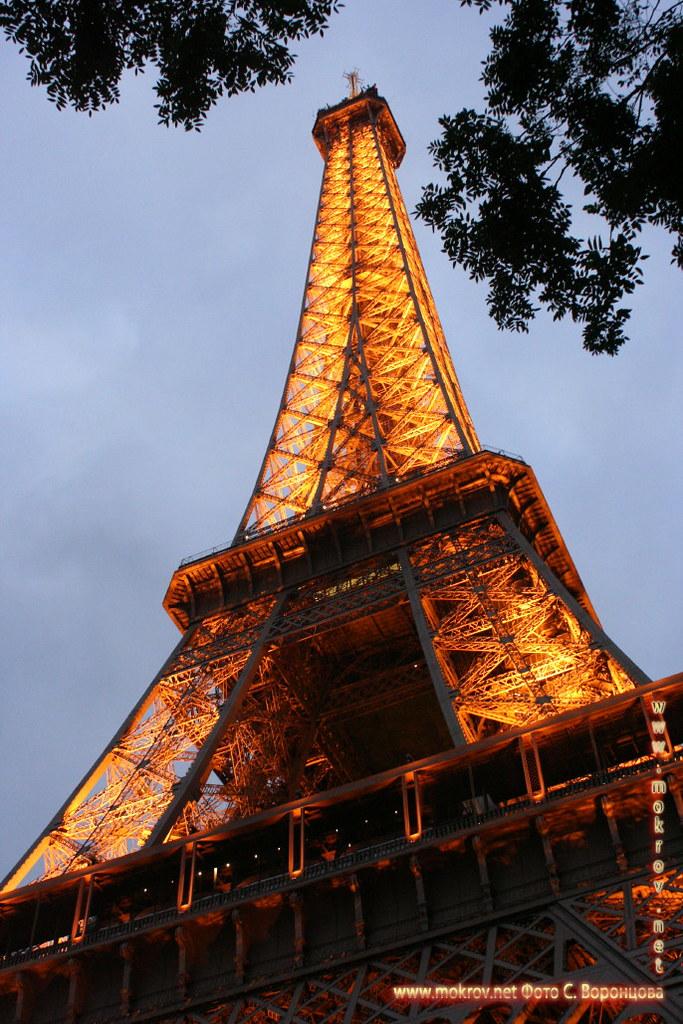 Город Париж, столица Франции фотографии сделанные днем и вечером