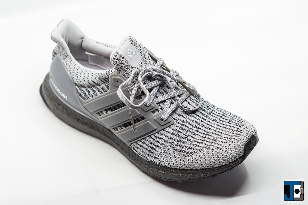 b94a15005cd88 ... Adidas Ultraboost 3.0 CG3041 Triple Grey